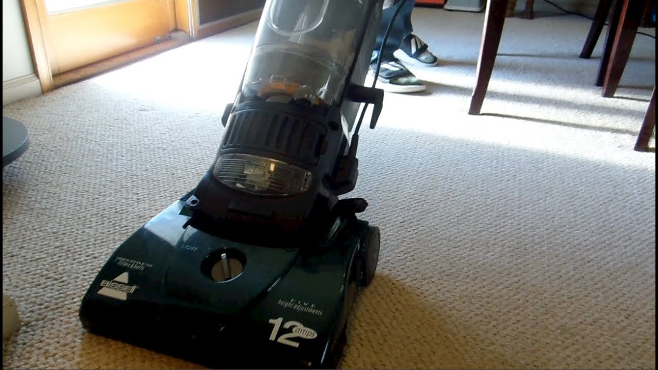 2005 Bissell Bagless (6579-1) Upright Vacuum Cleaner