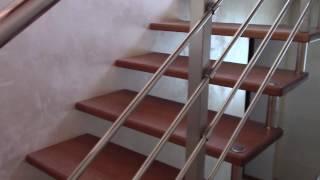 Лестница из дерева на быльцах (висячая) . Обзор одного объекта + двери из ясеня .