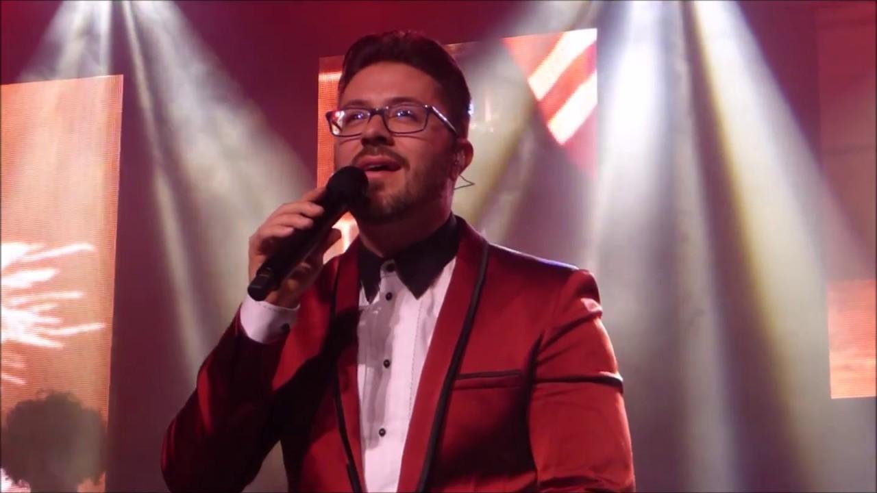 The Christmas Song - Danny Gokey - YouTube