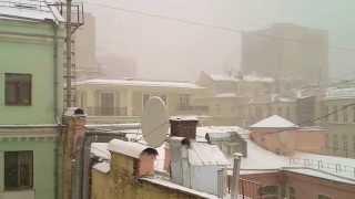 Апрельский снегопад в Москве, район Старого Арбата(, 2014-04-17T11:21:23.000Z)