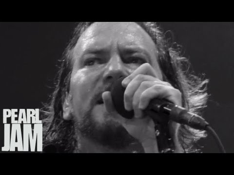 Amongst the Waves (Music Video) - Backspacer - Pearl Jam