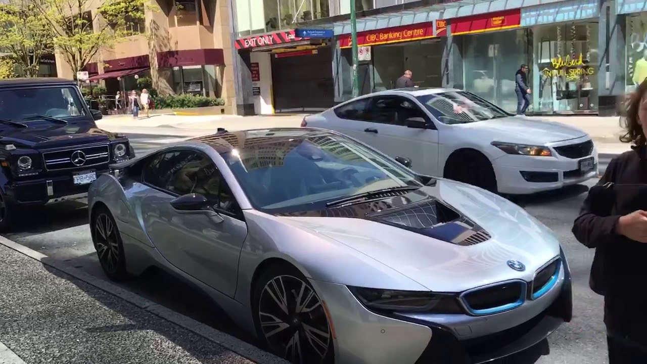 I Found In Vancouver A Bmwi8 And A G Waggon Youtube