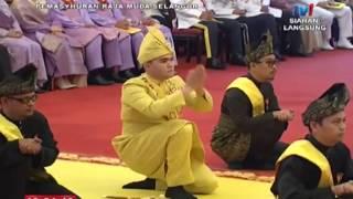 Gambar cover Istiadat Menjunjung Duli Raja Muda Selangor