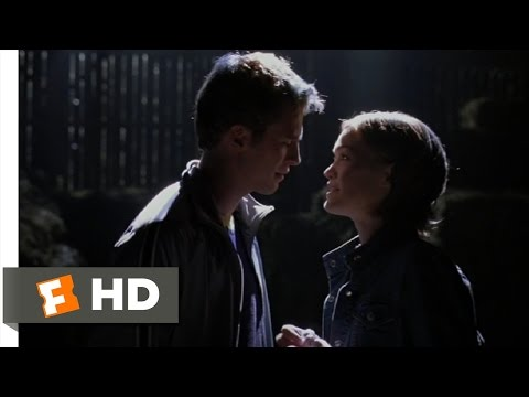 The Prince & Me (4/8) Movie CLIP - A First Kiss (2004) HD