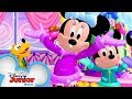 Jingle Bells with Minnie! ❄️| Disney Junior Holiday Party on Tour | Disney Junior