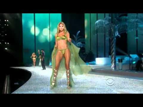 Victoria's Secrets Sfilate Moda 2010 / 2011- Usher (Yeah)