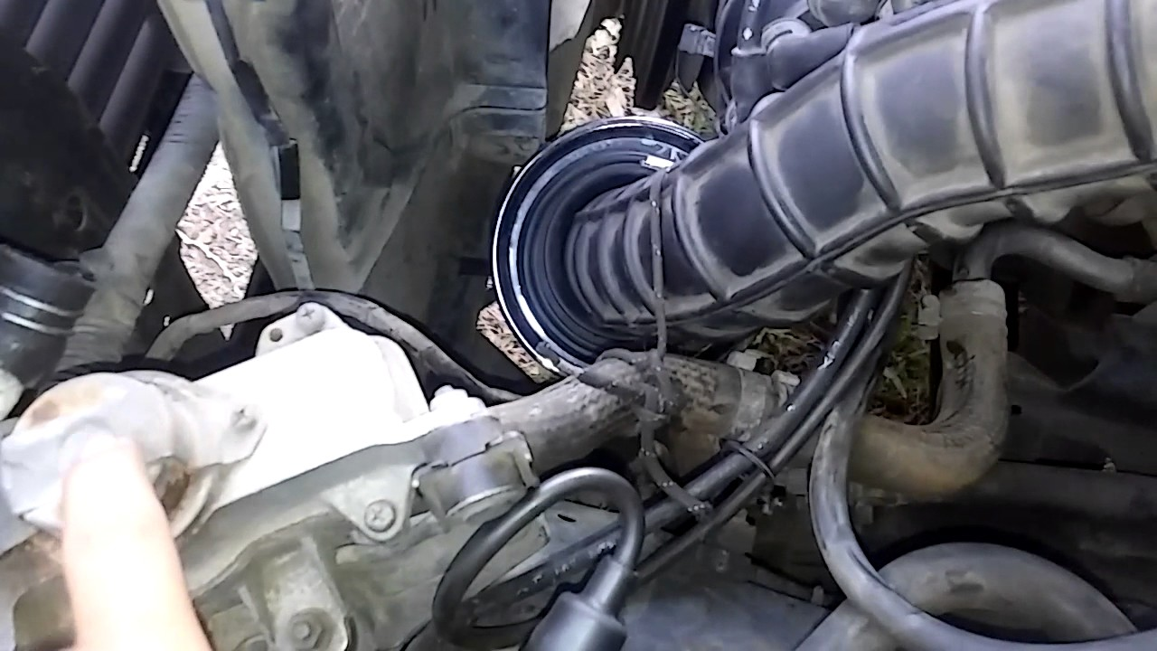 86 nissan d21 vacuum hose delete and other stuff [ 1280 x 720 Pixel ]