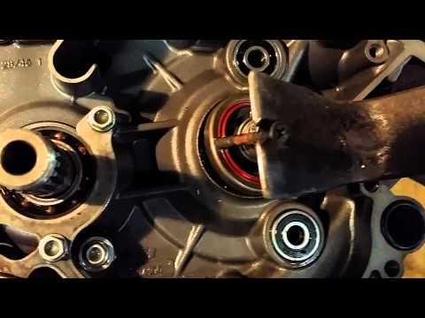 2 STROKE CRANK SEAL REMOVAL 04' KTM 125SX
