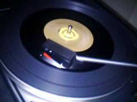 KC & The Sunshine Band - Keep It Comin' Love