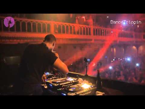 Afrojack - Rock The House [played by Afrojack]