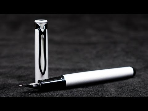 Fountain Pen Review: Pelikan Stola III