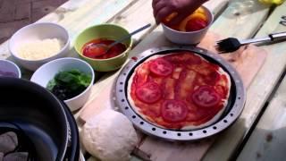 Pizza bakken op de Cobb ( PizzaOven )