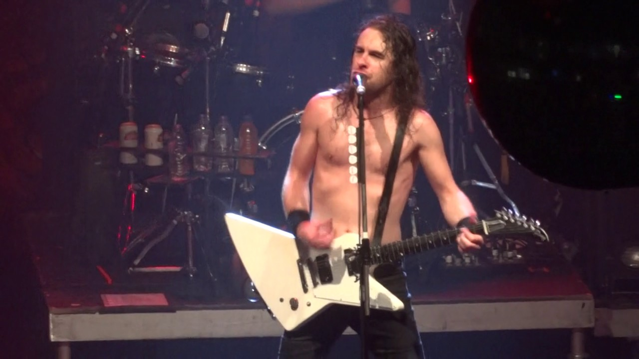 airbourne-its-all-for-rock-n-roll-live-manchester-26-11-2016-roger-gough