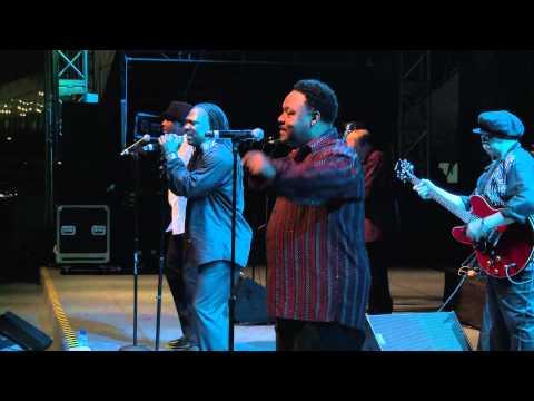 Resultado de imagen de Earth Wind and Fire Experience Live at Java Jazz Festival 2014