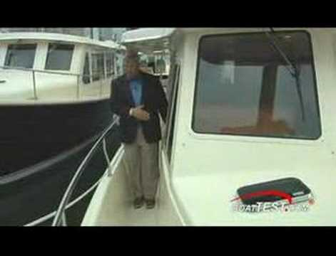Mainship Expedition Trawler - By BoatTest Com