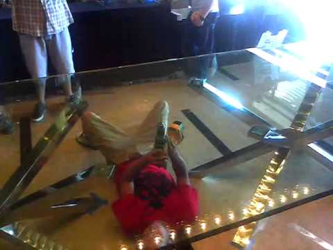 Shattered Glass Table Top LV 2011