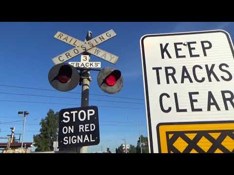 Old Geelong Rd Level Crossing, Hoppers Crossing