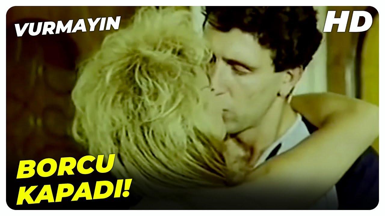 Vurmayın - Leyla, Mahmut'a Borcunu Ödüyor! | Küçük Emrah Eski Türk Filmi