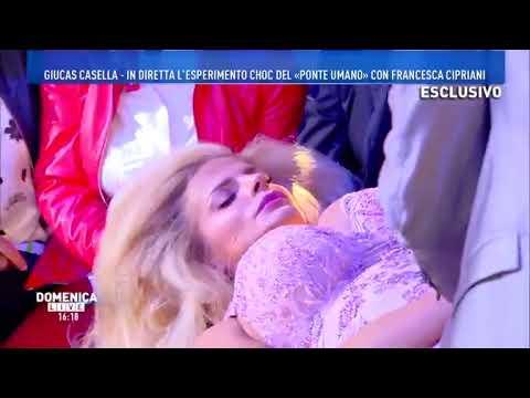 FRANCESCA CIPRIANI IPNOTIZZATA DA GIUCAS CASELLA