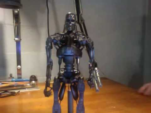 T 700 Terminator Hot Toys Terminator T-700 Figure From Terminator Salvation Review ...