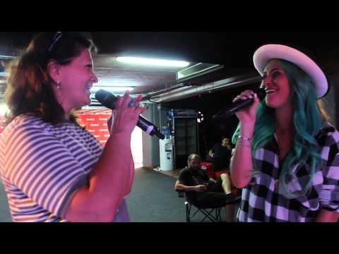 Delia cântă în duet cu mama ei, LIVE în Deşteptarea