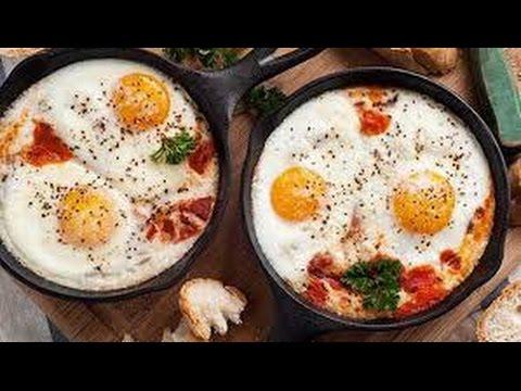 تعرفي على طريقة عمل البيض بالطماطم