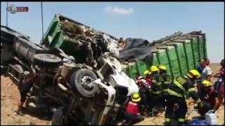 מבט - חילוץ דרמטי ומתועד של נהג משאית בעקבות תאונת דרכים
