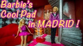Barbie's Cool Dollhouse - How To Make A Great Dollhouse With Everyday Stuff
