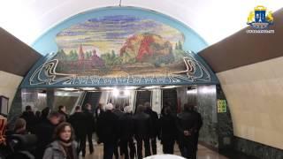 Смотреть видео Мэр Москвы на открытии вестибюля метро Марьина Роща онлайн