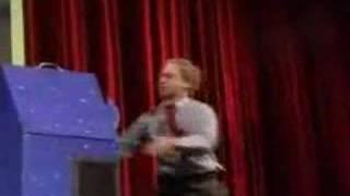 Repeat youtube video 人体切断マジックを透明な箱で種明かし