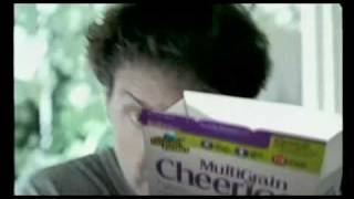 Multigrain Cheerios commercial: Is this the man-husband of the 21st century?
