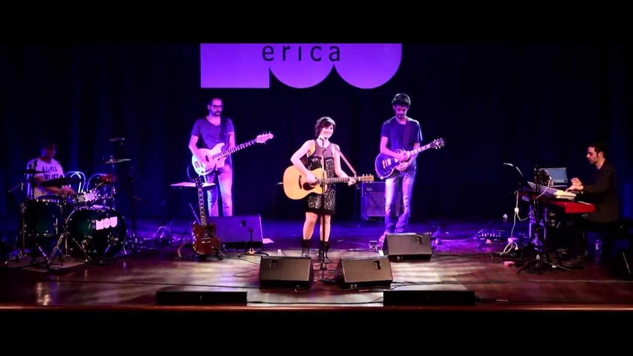 Vasca Da Bagno Erica.Erica Mou Nella Vasca Da Bagno Del Tempo Live Teatro Forma Youtube