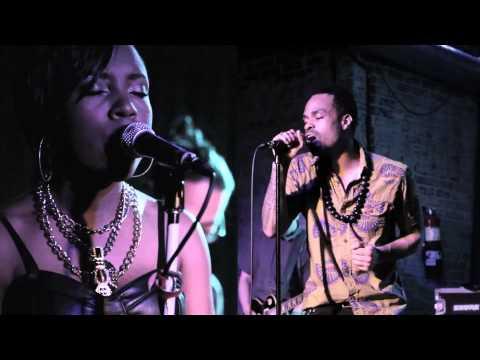 Bilal: 'Astray' Live