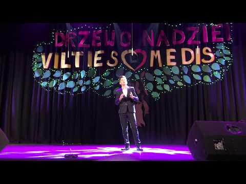 "Adam Kaczmarek    ""Alleluja""  Leonard Cohen. Koncert w Wilnie."