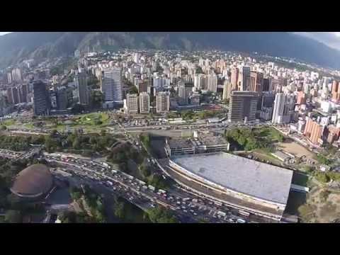 Caracas Vista aérea: Plaza Venezuela. UCV y Zona Rental