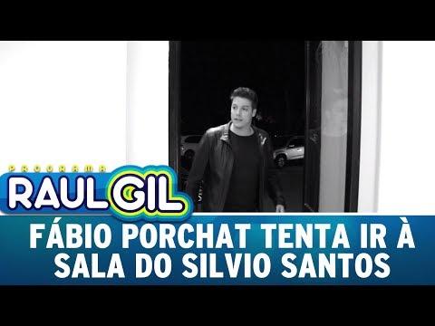 Fábio Porchat é visto nos bastidores do SBT e tentar ir à sala do Silvio Santos