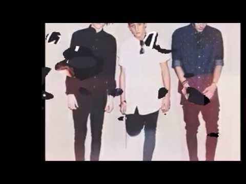 Friends - Chase Atlantic (lyrics)