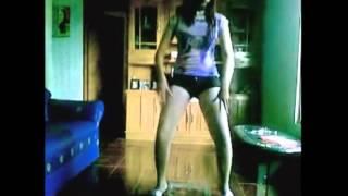 Download Video HOT Cewek ABG Goyang EROTIS Sampai Lepas Baju MP3 3GP MP4