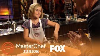 Video Extended Scene: Sarah's Molten Lava Cake   Season 1   MASTERCHEF JUNIOR download MP3, 3GP, MP4, WEBM, AVI, FLV Agustus 2018