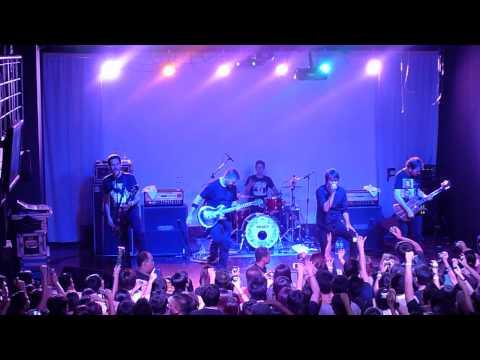 My Heroine by Silverstein [Live in Manila]