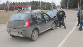 Пьяный водитель врезался в машину с семьей на трассе М-8