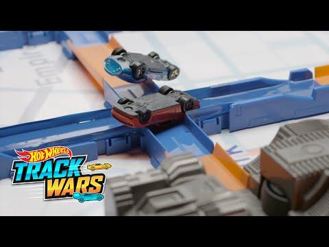 Corrida na hora do rush  Track Wars  Hot Wheels