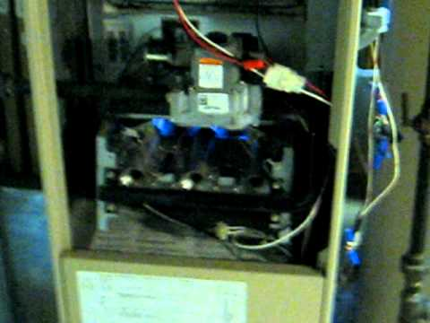 Lennox Gas Furnace Starting Up Youtube