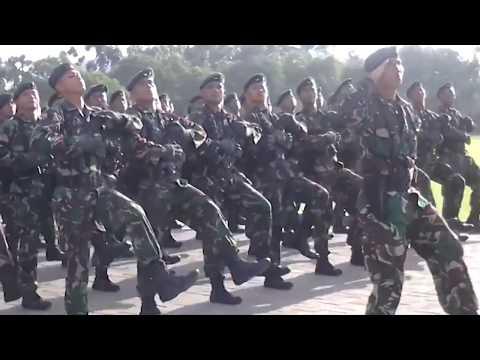 Download lagu Di Bawah Panji Garuda Sakti Kartika Eka Paksi - Mars TNI AD
