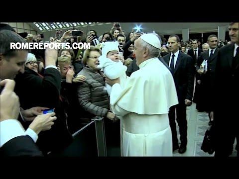 Đức Giáo Hoàng: Người nào thiếu đức cậy cũng thiếu vắng nụ cười