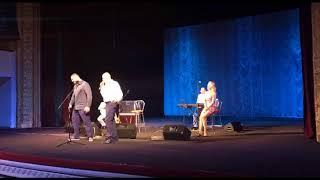 Филипп Киркоров на коленях просил песню «Я поднимусь»