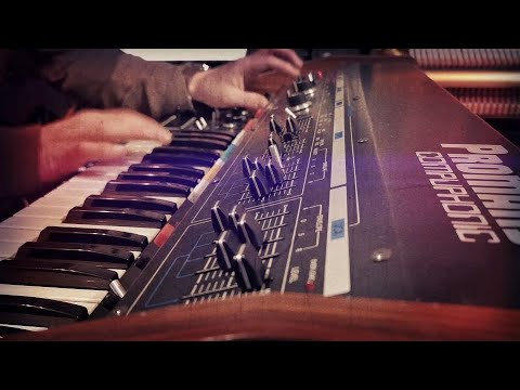 Roland Promars Compuphonic | The Red Planet