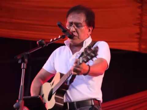 Iwan Fals - Siang Pelataran SD Sebuah Kampung (Konser Pelangi Jingga)