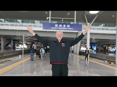 Bill Walton experiences high-speed train ride to Shanghai