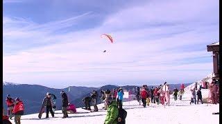 Продолжая горнолыжный сезон: туристы продлевают свой отдых в горах Красной Поляны